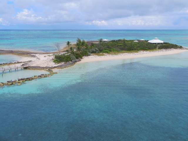 Johnnys Cay - Click Photo for Details